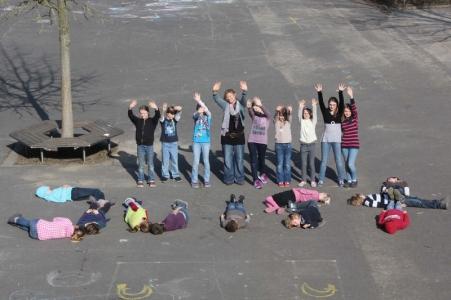 Bild 0 von Mariengrundschule Herbern besuchen ihre Brieffreunde