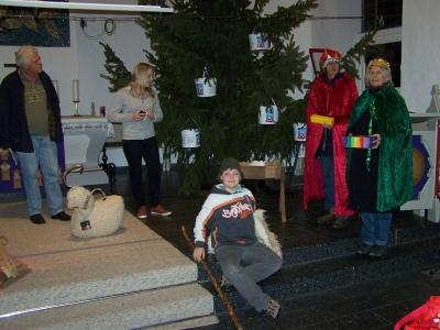 Bild 0 von Erstmals Krippenspiel für Erwachsene im Weihnachtsgottesdienst