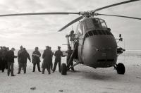 Bild 4 von Im Eiswinter vor 50 Jahren sicherten Hubschrauber die Inselversorgung