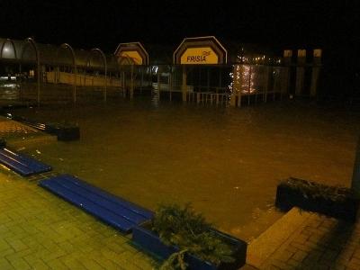 Bild 0 von Nächtliches Hochwasser ist überstanden