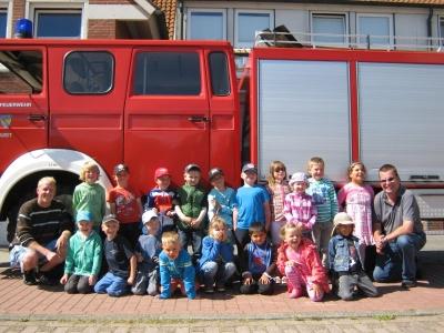 Bild 0 von Kindergarten zu Besuch bei der Feuerwehr