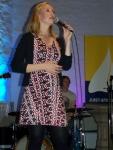 Bild 2 von Juist-Stiftung musste Konzert vom Pfarrgarten in Kirche verlegen