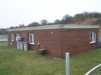 Bild 1 von Betriebsgebäude der Kläranlage bekam ein Spitzdach