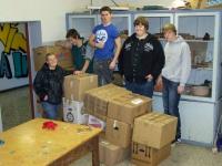 Bild 1 von Juister Schüler brachten 23 Kartons mit Sachspenden auf den Weg