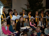 Bild 3 von Mehr als zweihundert Teilnehmer beim Adventssingen dabei