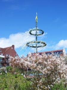 Bild 0 von Heimatverein stellt in diesem Jahr den Maibaum auf