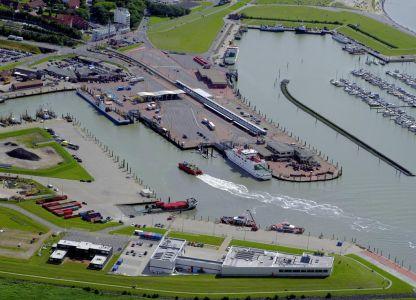 Bild 0 von Inselexpress nach Juist startet neben dem Norderney-Anleger