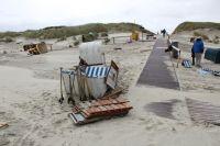 Bild 2 von Windhose über Juist richtete großen Schaden am Strand an