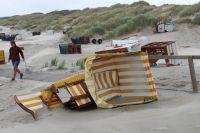Bild 6 von Windhose über Juist richtete großen Schaden am Strand an