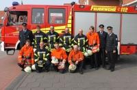 Bild 6 von Neun Feuerwehrleute dürfen jetzt mit in den Einsatz