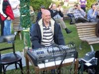 Bild 1 von Konzert war ein Heimspiel für Morten Hasselbach