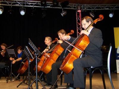 Bild 0 von Auf Juist entstand in nur fünf Tagen ein Kammerorchester