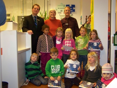 Bild 0 von Kindergartenkinder bastelten Weihnachtsdekoration