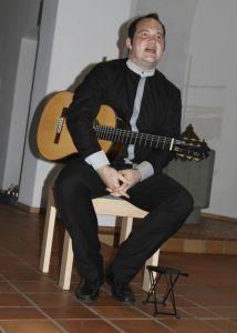 Bild 0 von Eindrucksvolles Gitarren-Konzert an einem schönen Sommerabend