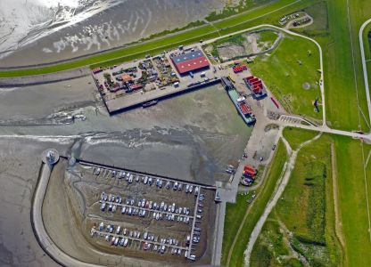 Bild 0 von Neue Luftbilder vom Hafen und Watt