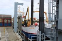 Bild 4 von Erste Baggeraktion machte Hafen für Saisonbeginn fit