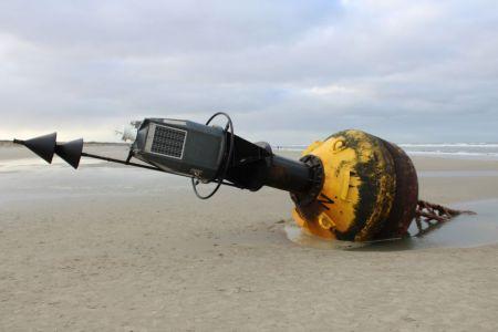Bild 0 von Auch in diesem Winter gibt es wieder eine Tonne auf dem Strand