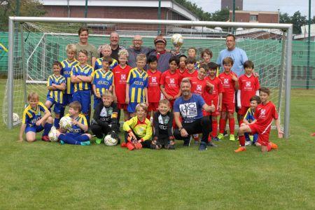 Bild 0 von TSV-Jugendfußballer besuchten TuS-Kicker von Norderney