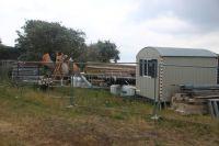 Bild 2 von Bauschild kündigt den Bau der Rettungswache an