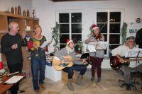 Bild 0 von Ersatzmusiker waren beim Lebendigen Adventskalender wieder gefragt