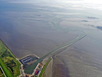 Bild 0 von Aktuelle Luftbilder vom Juister Hafen und dem Watt